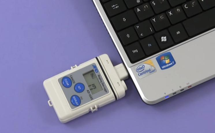 Datenlogger AD-1688: Anschluss am PC über USB